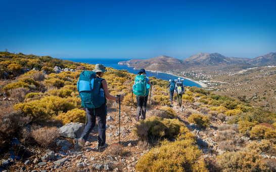 Randonneurs dans les Cyclades