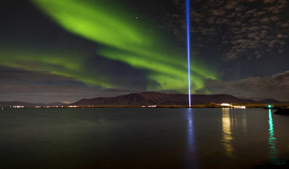 Tour Imagine Peace, au large de Reykjavik
