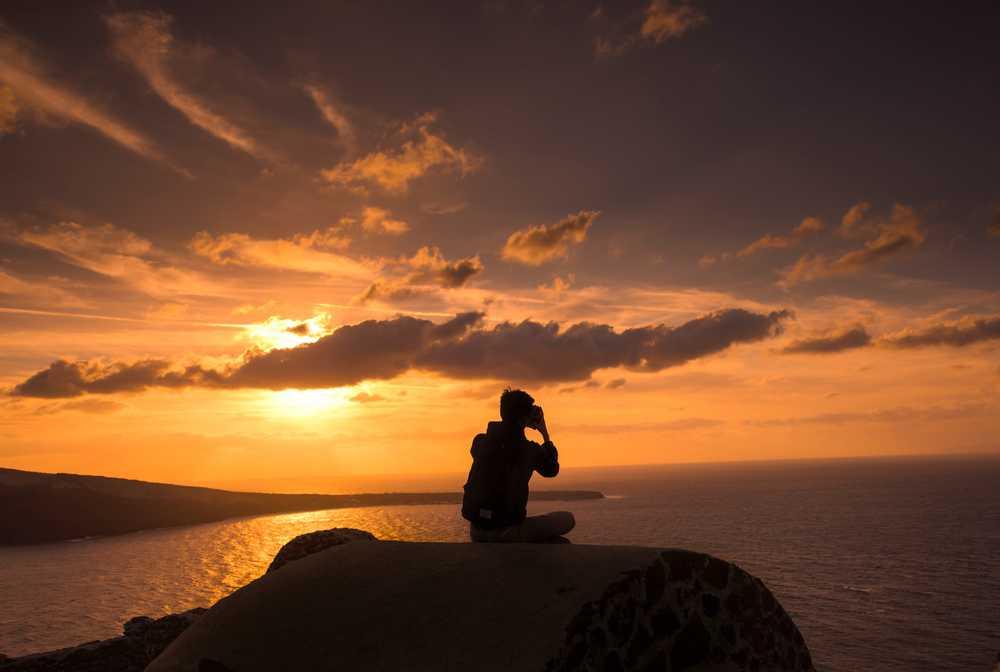 Grèce, coucher de soleil sur l'île de Paros