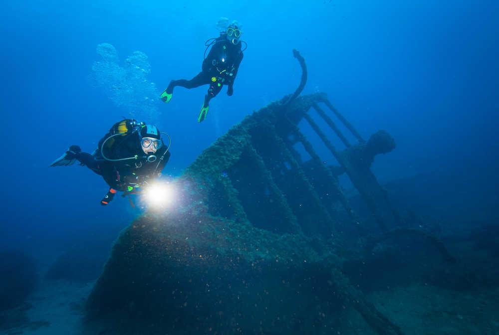 Parmi les points d'intérêt de la plongée en Méditerranée : les épaves
