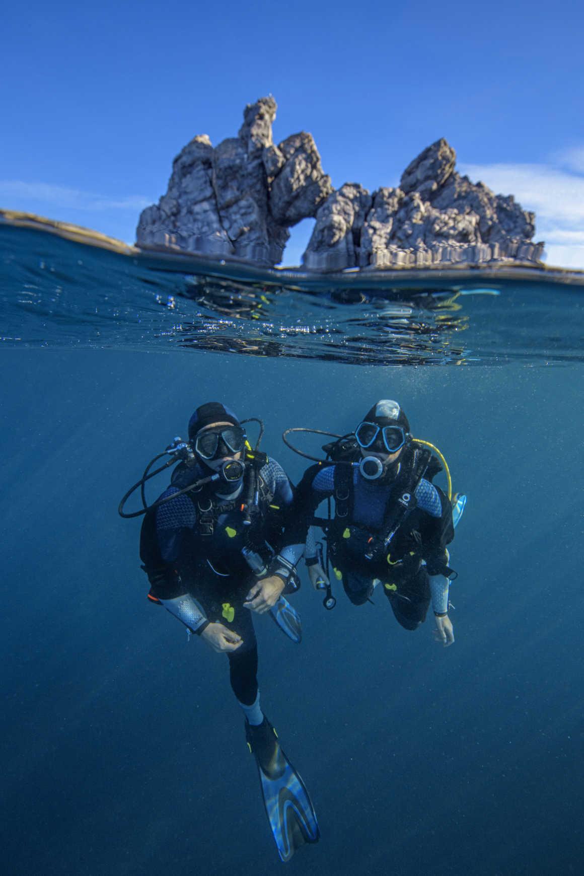 Plongée sous le rocher de Mèdes à Porquerolles