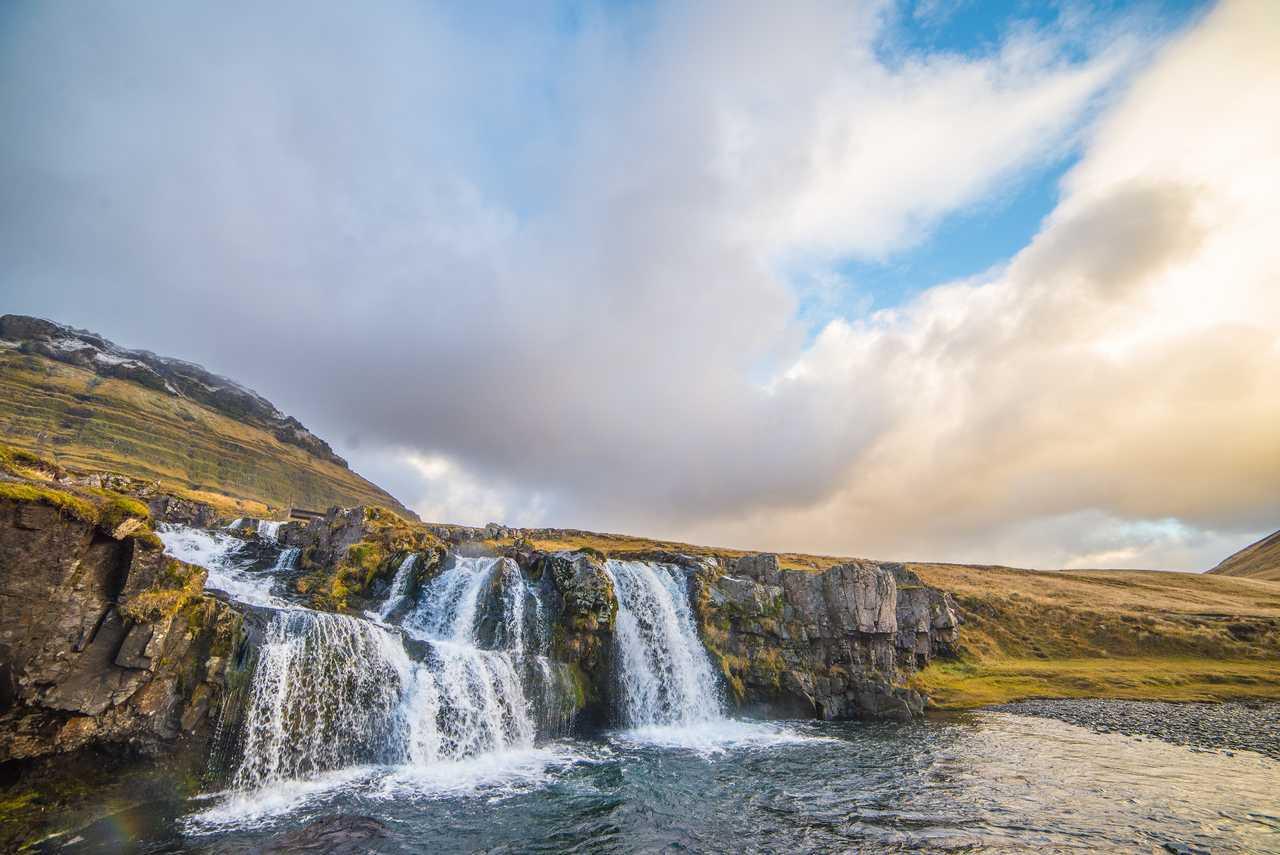 Photo de cascades sur la péninsule de Snaefellsnes en Islande