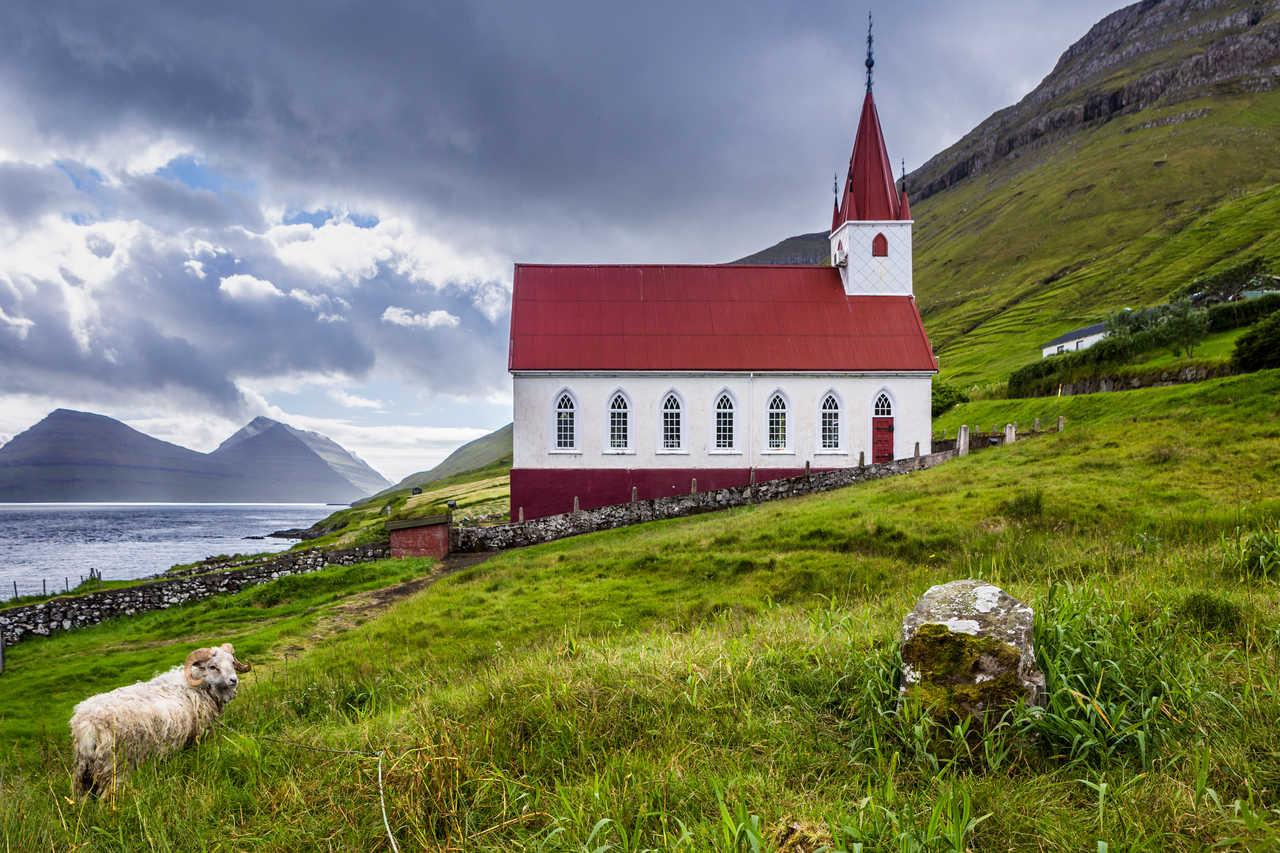 Eglise à Husar sur l'île de Kalsoy aux îles Féroé