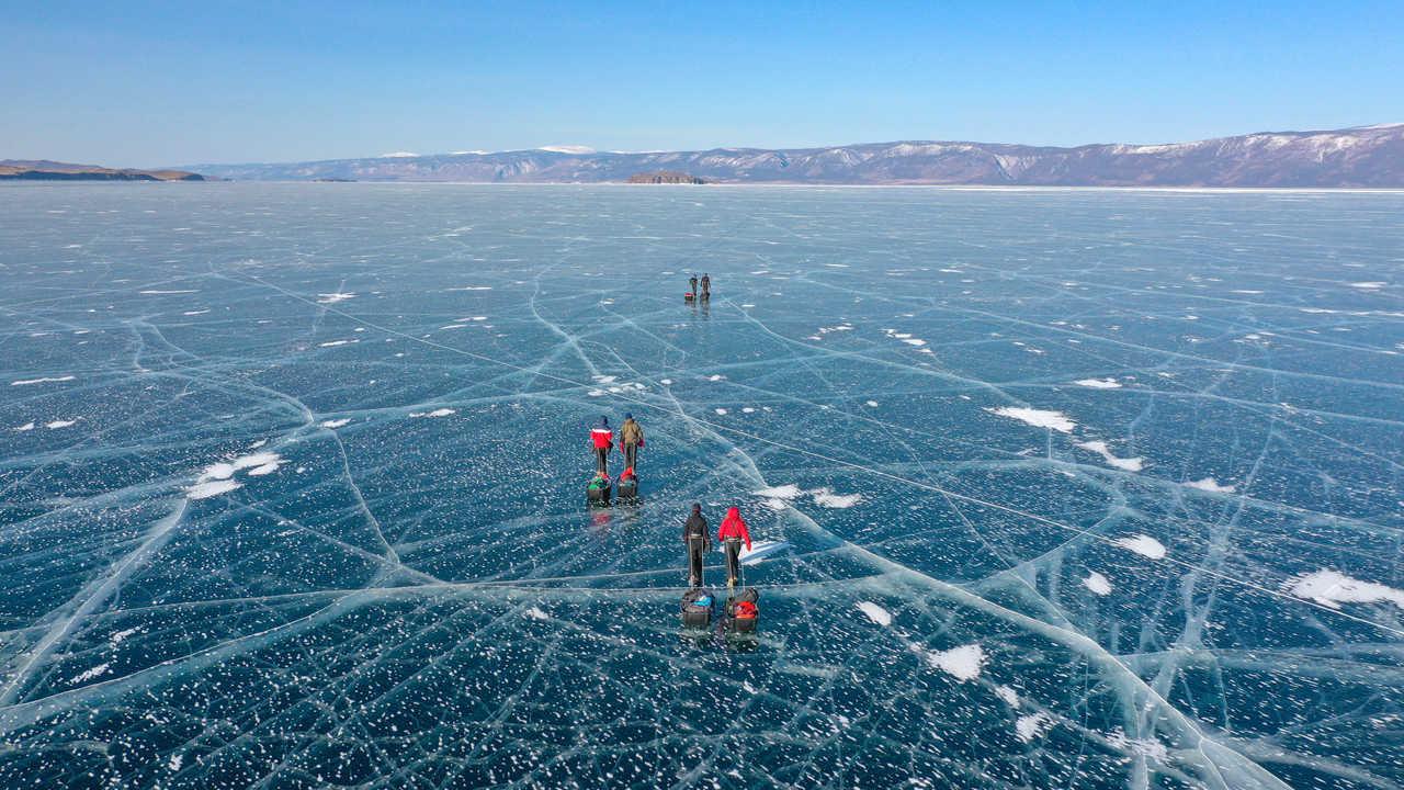 Expédition sur le lac Baikal au printemps