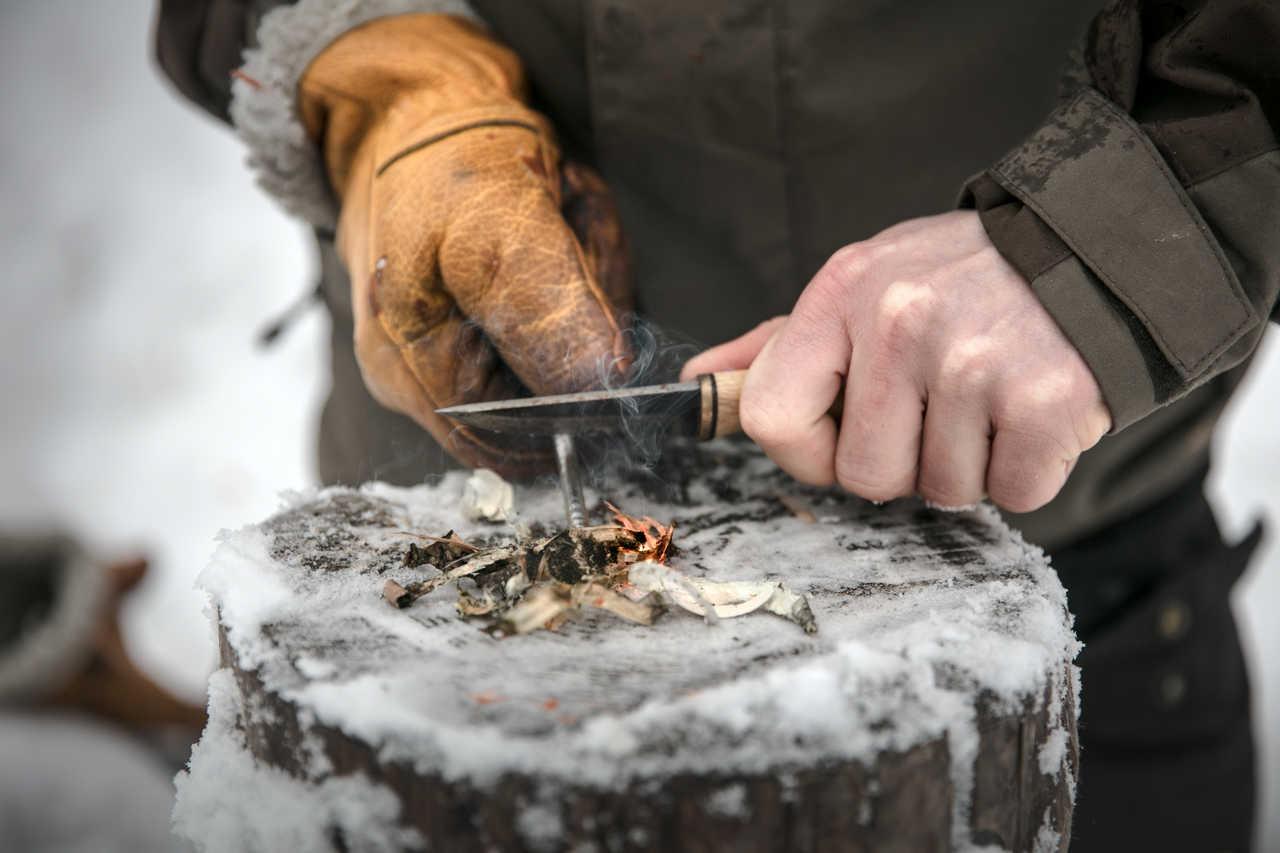 Faire du feu, survie en milieu hivernal