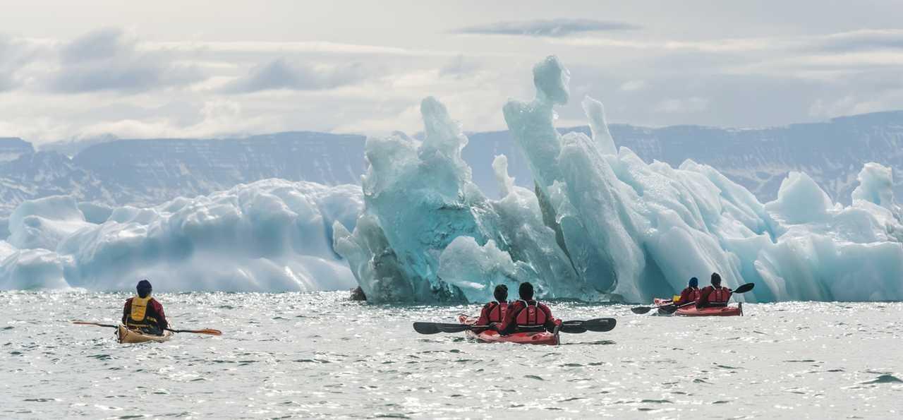 Kayak entre les icebergs Groenland