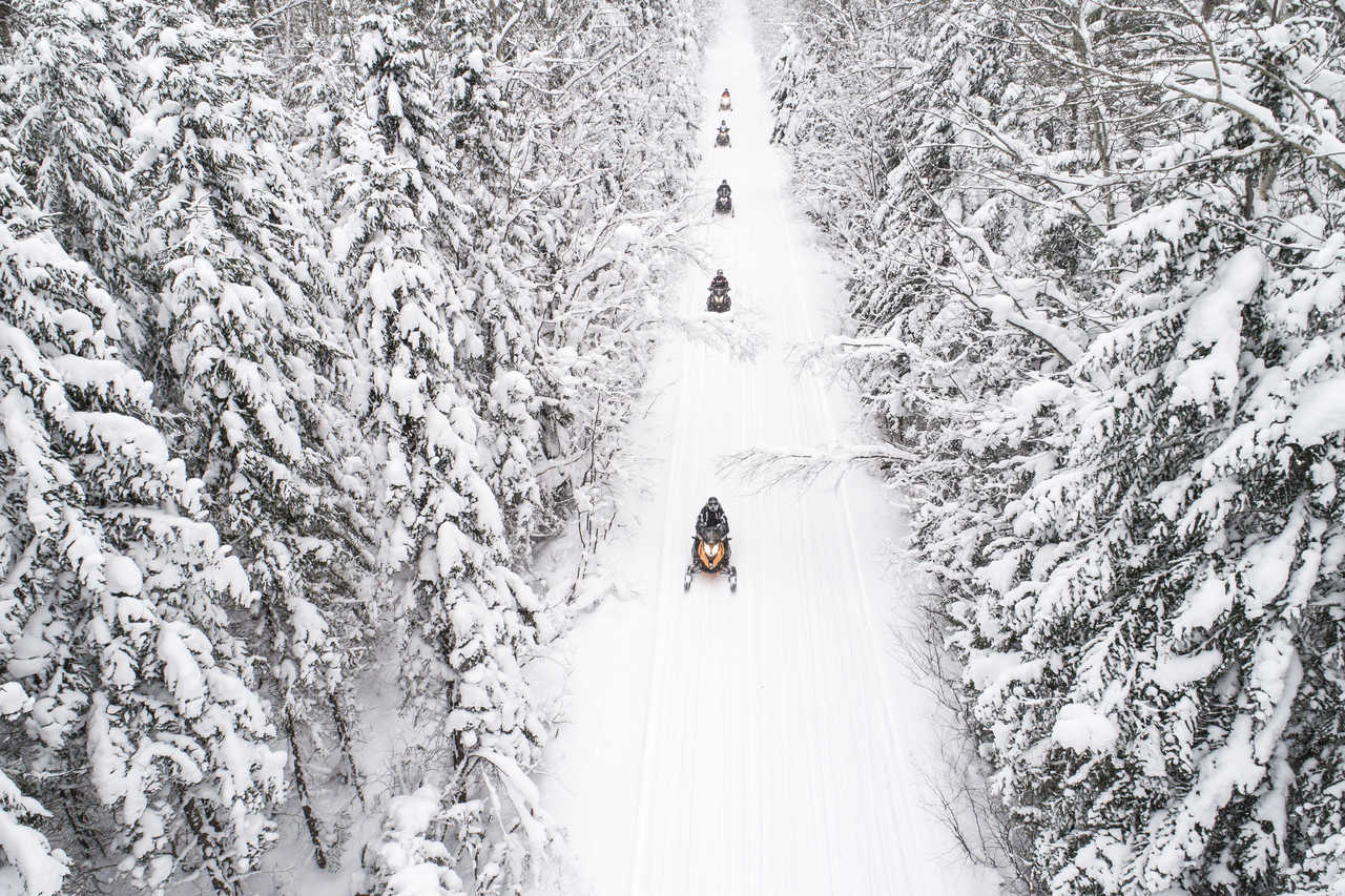 Motoneige au Canada, Québec, Canada
