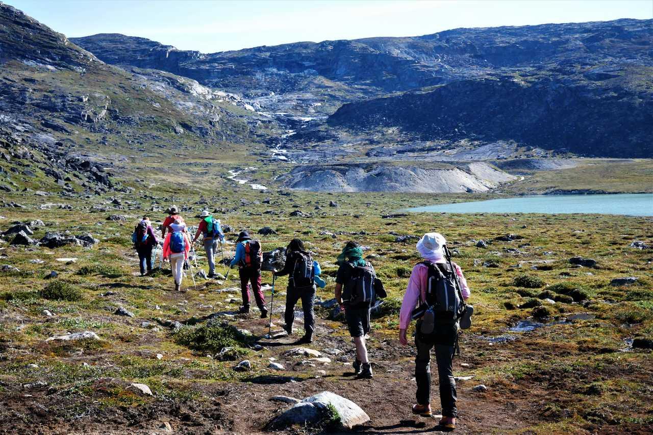 Randonné dans les fjords du Groenland l'été
