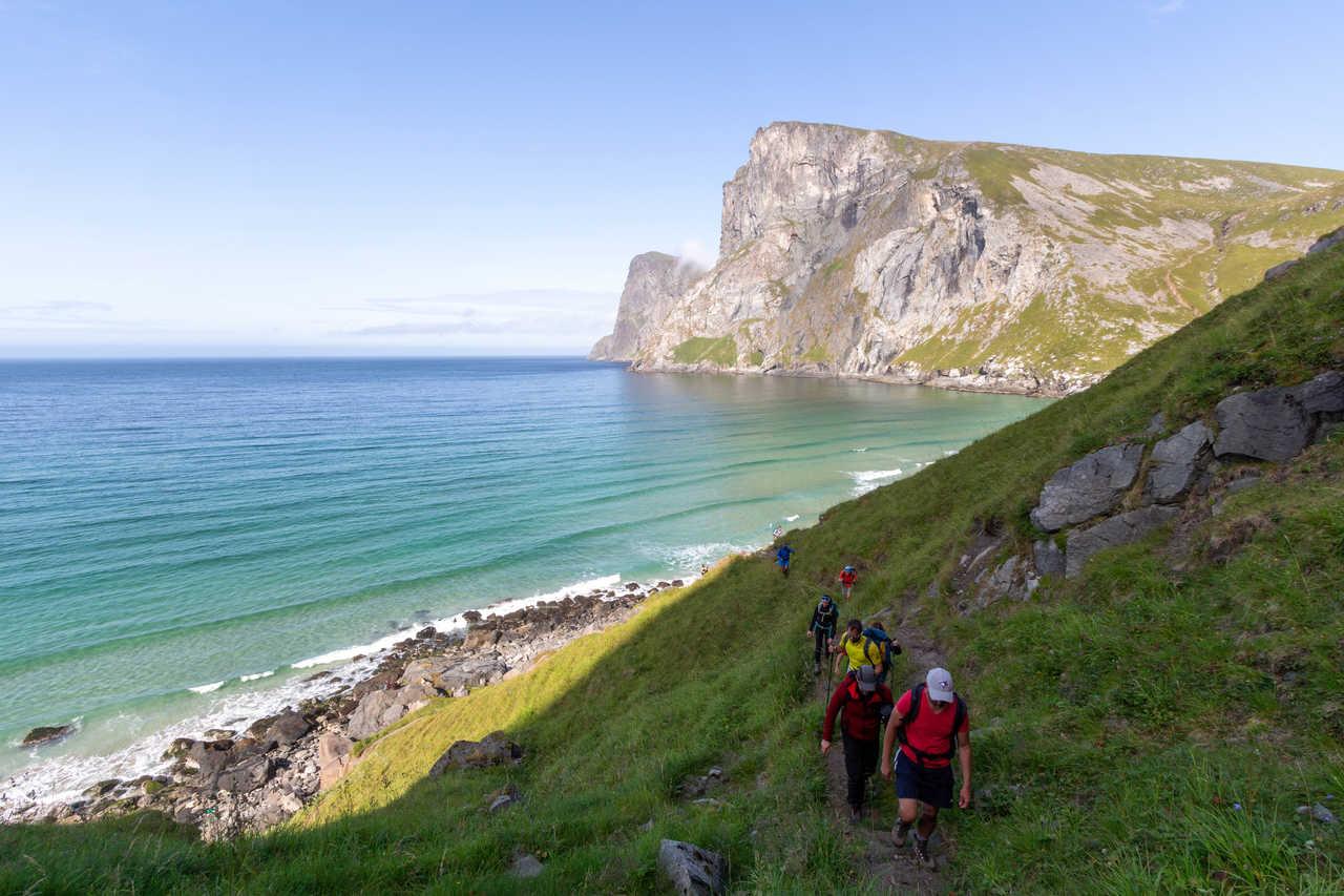 Randonnée dans les îles Lofoten, plage de la baleine