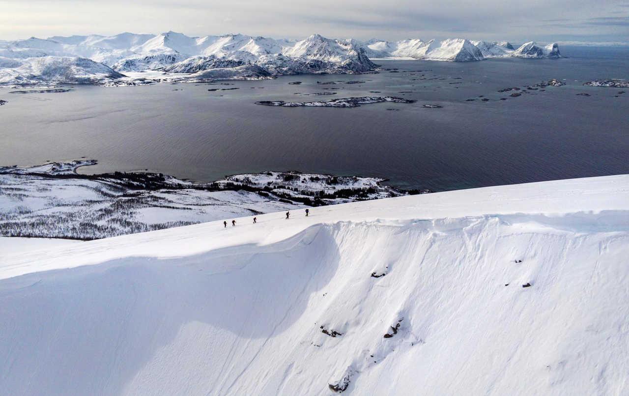 Randonnée du Husfjellet, île de Senja en Norvège du Nord