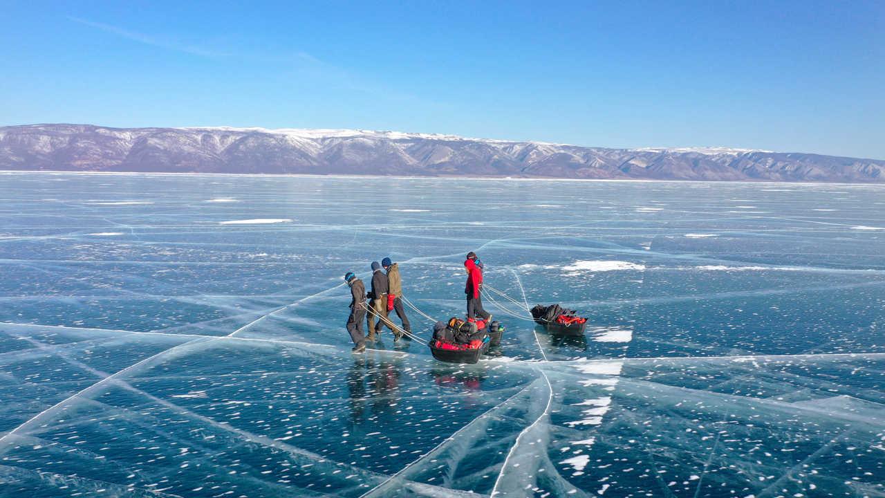 Randonnée sur le lac Baikal