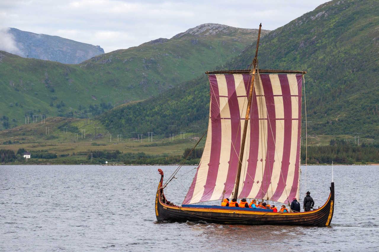 Bateau viking en Norvège dans les Lofoten, musée viking de Borg