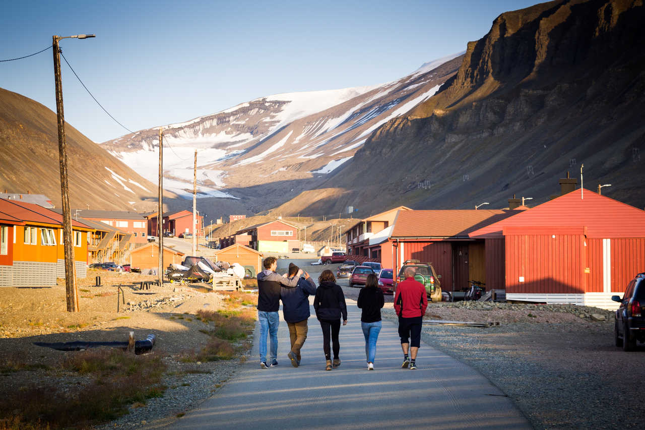 Longyearbyen l'été, ville du Spitzberg