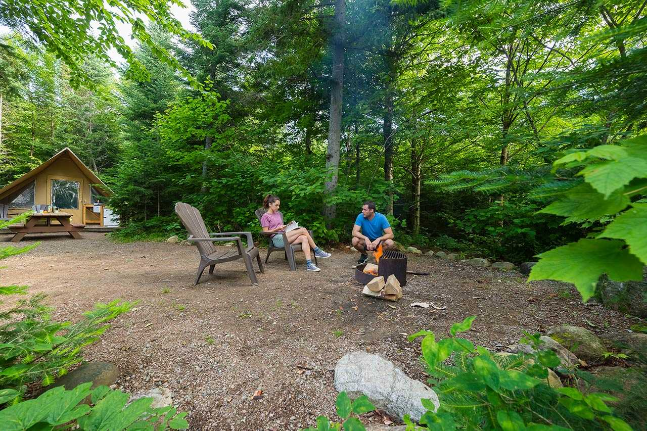 Tente Huttopia prêt-à-camper au Québec