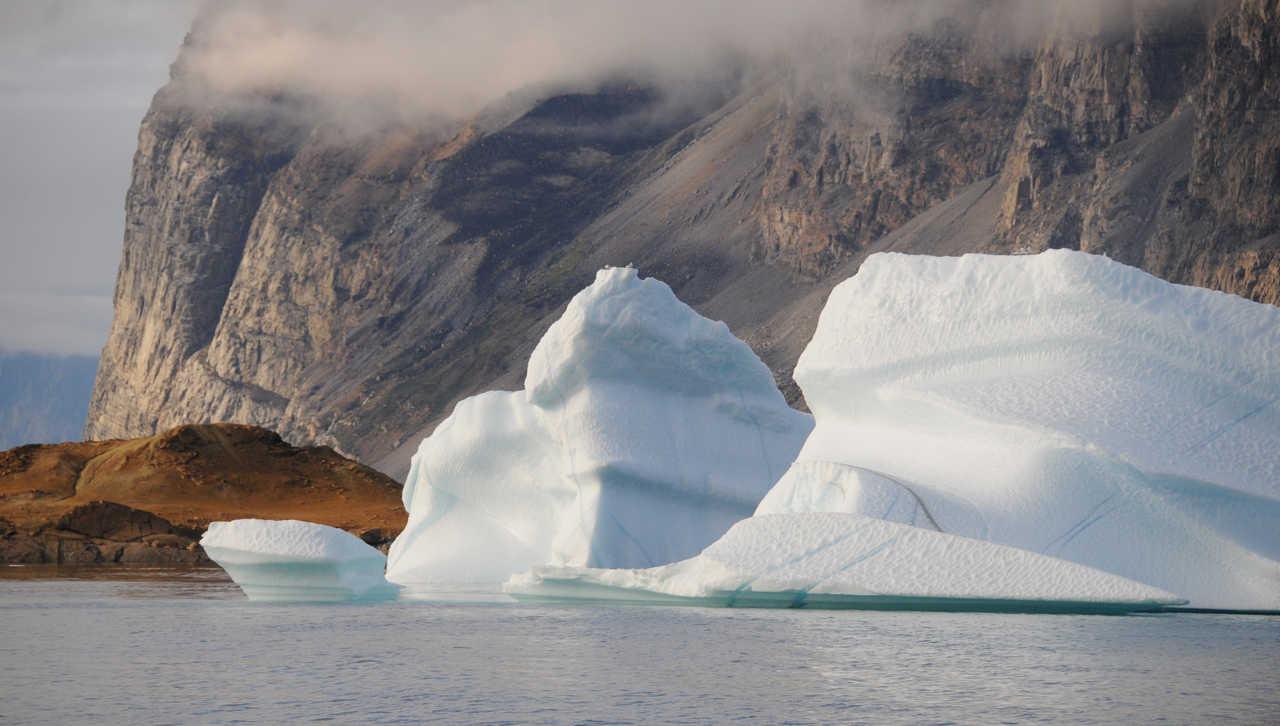 Photo d'icebergs lors d'une croisière polaire au Groenland