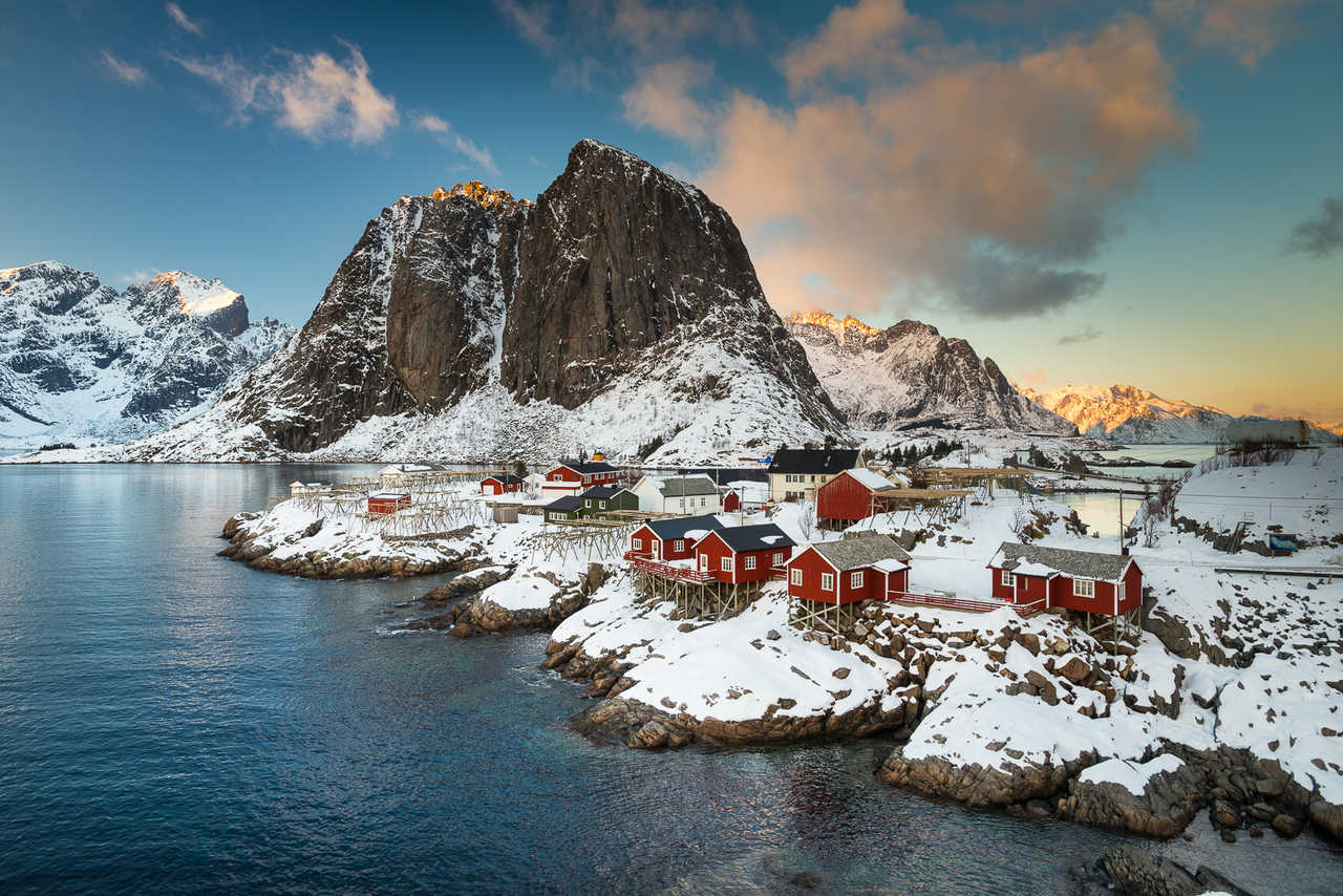 Village de Reine dans les Lofoten, Norvège l'hiver