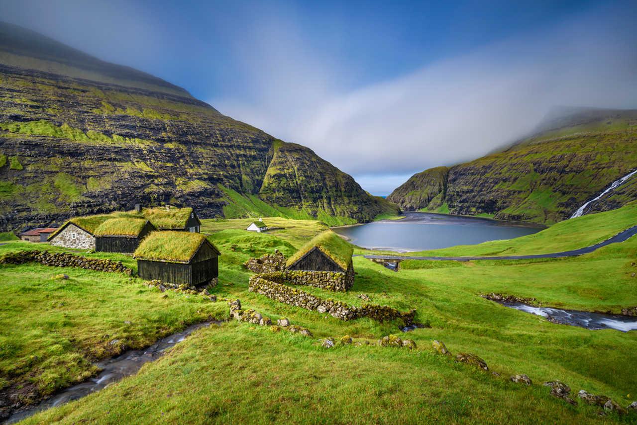 Village de Saksun sur l'île de Streymoy aux îles Féroé