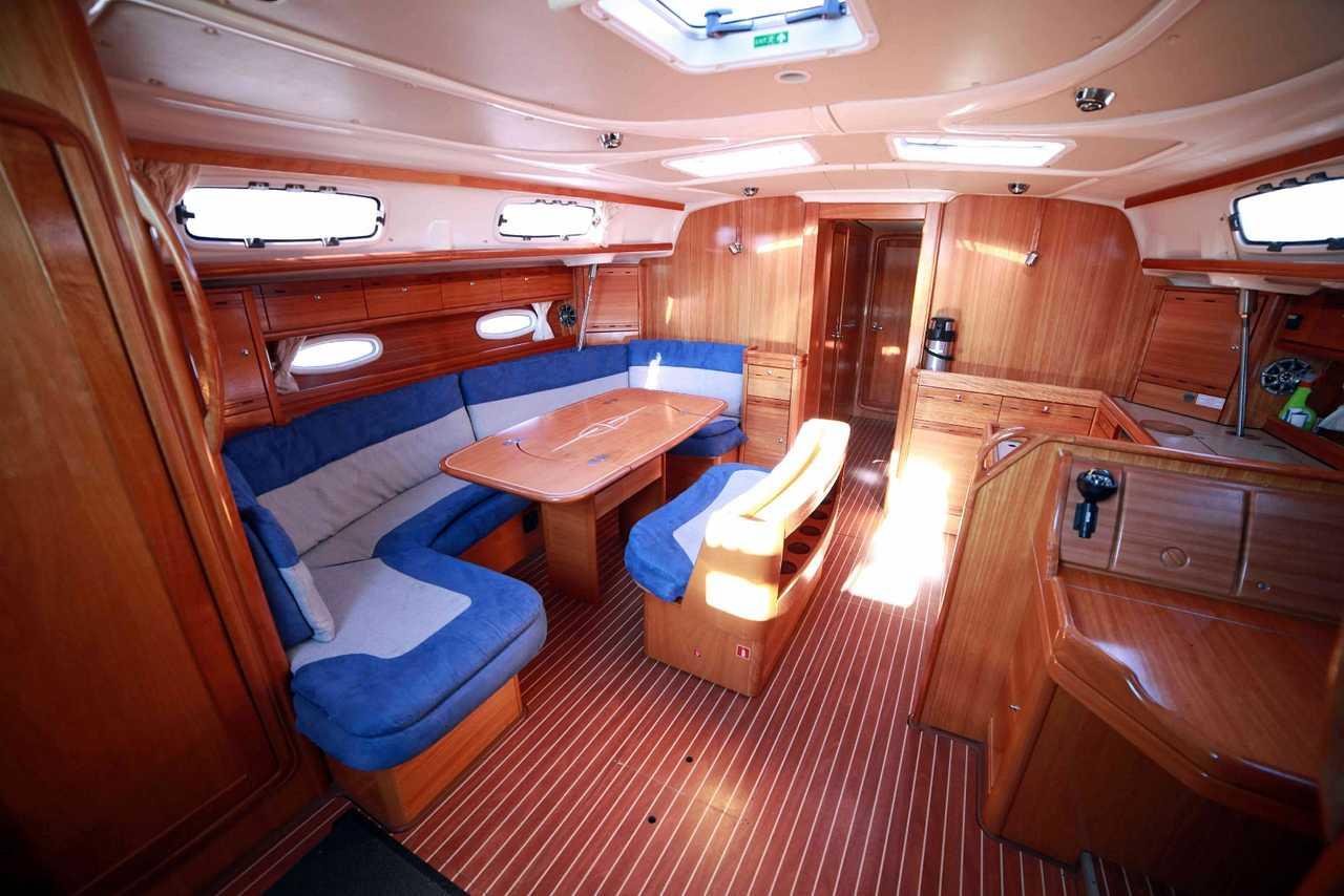 carrée du bateau Humla