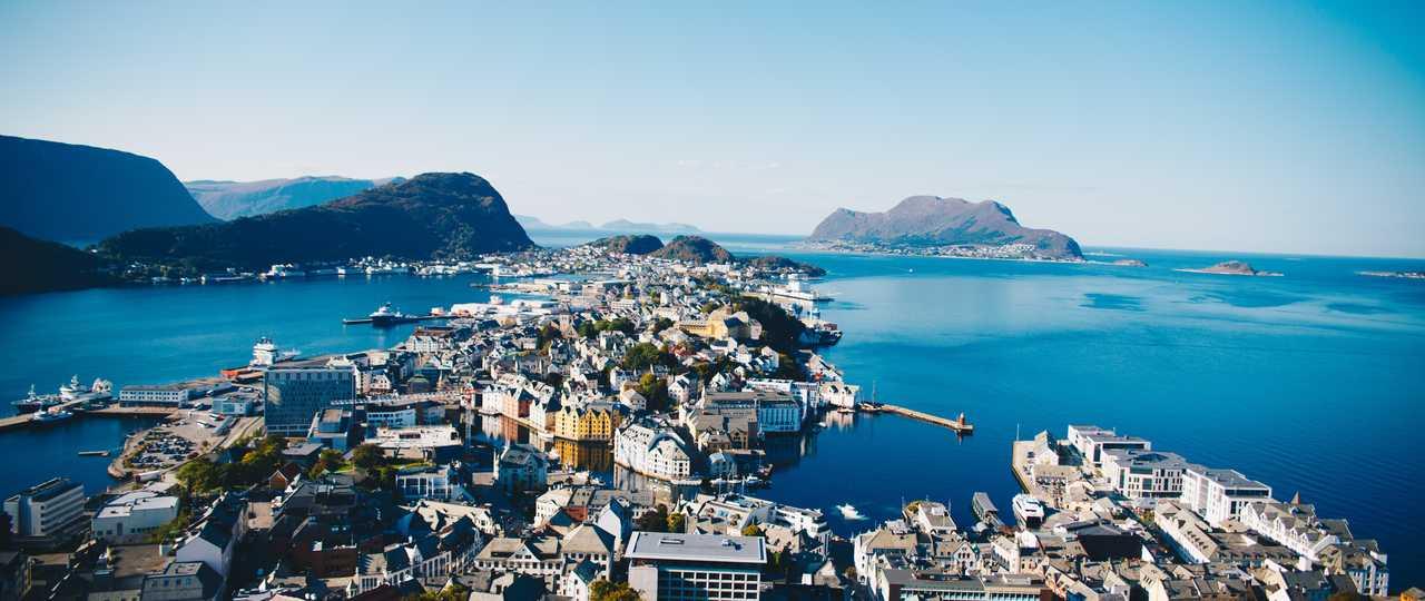 Alesund en été en Norvège
