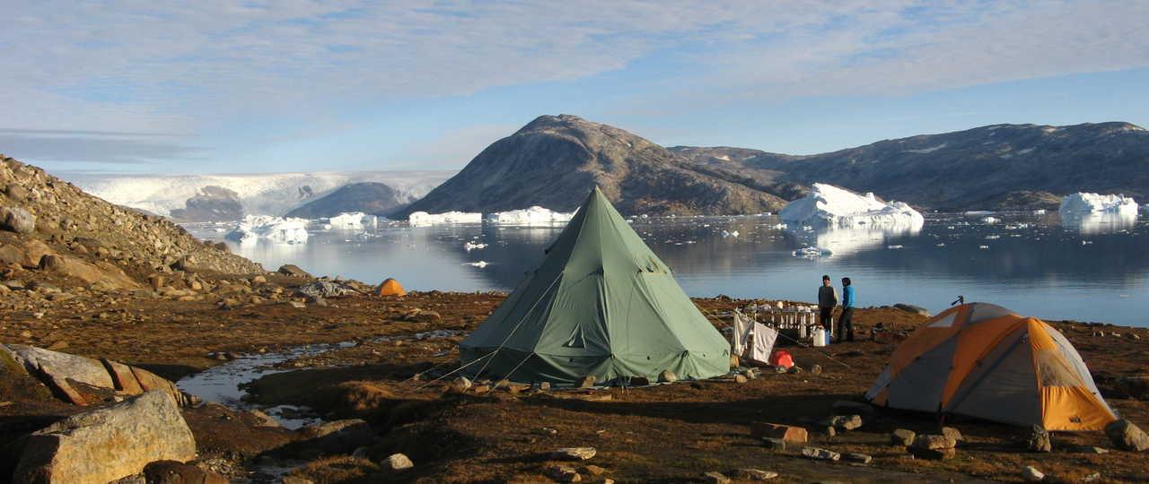 Bivouac près des icebers et glaciers, Groenland