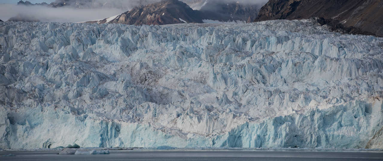 Blomstrandbreen, glacier Svalbard