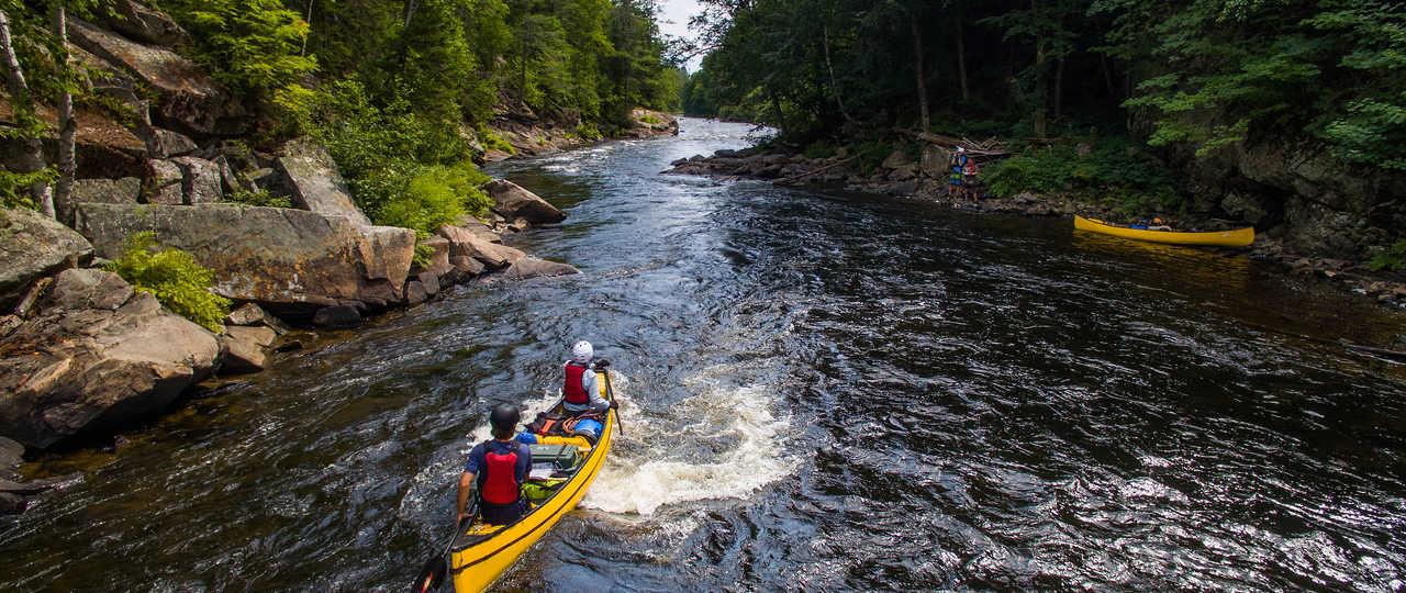 Canoë en eaux vives au Québec