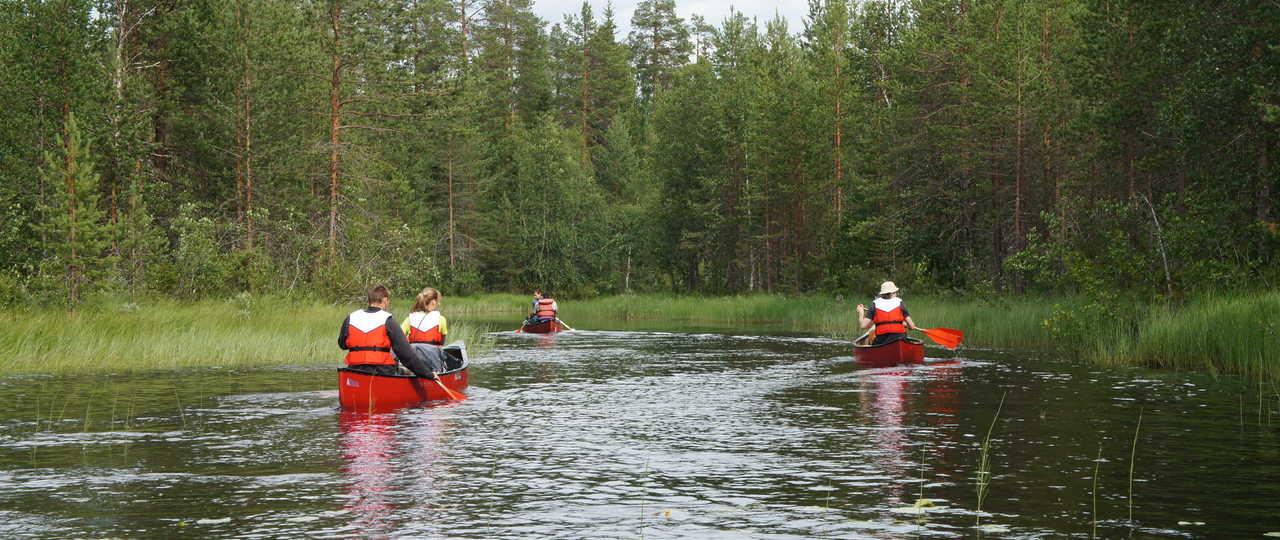 Canoë en rivière à Hossa en Finlande