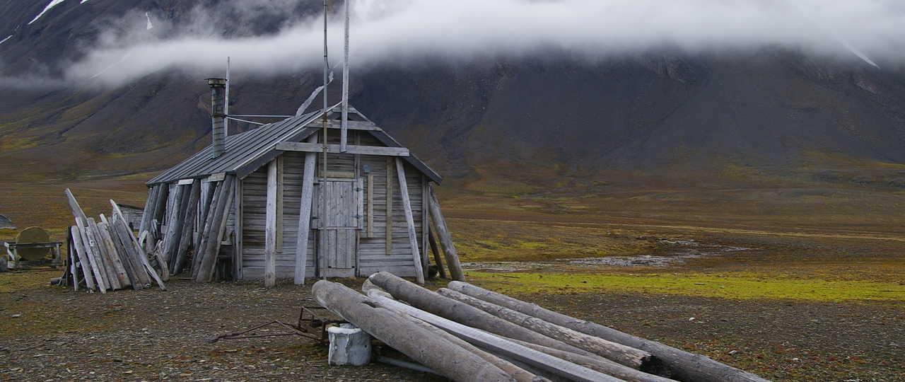 Photo d'une cabane au Spitzberg