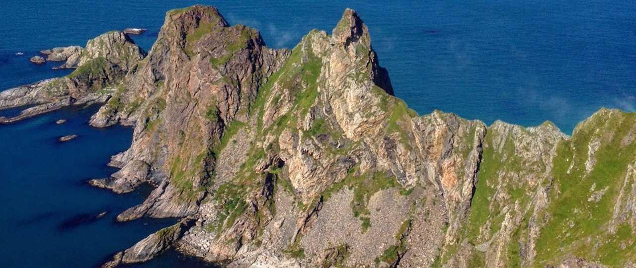 Photo d'une falaise dans les iles Lofoten