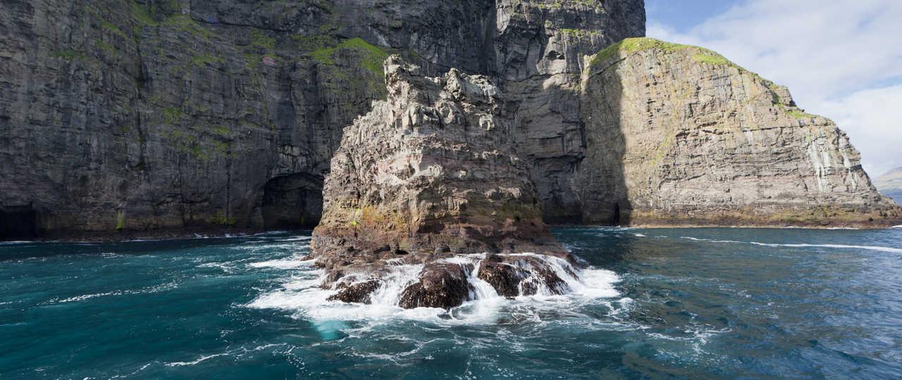 Falaises de Vestmanna aux îles Féroé