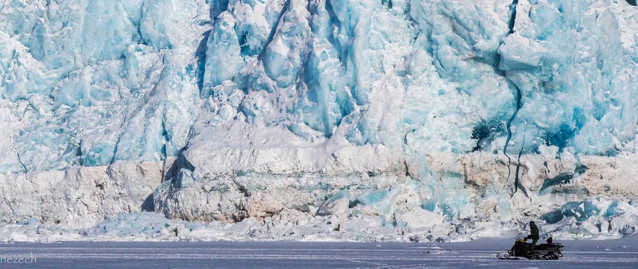 Motoneige au Svalbard