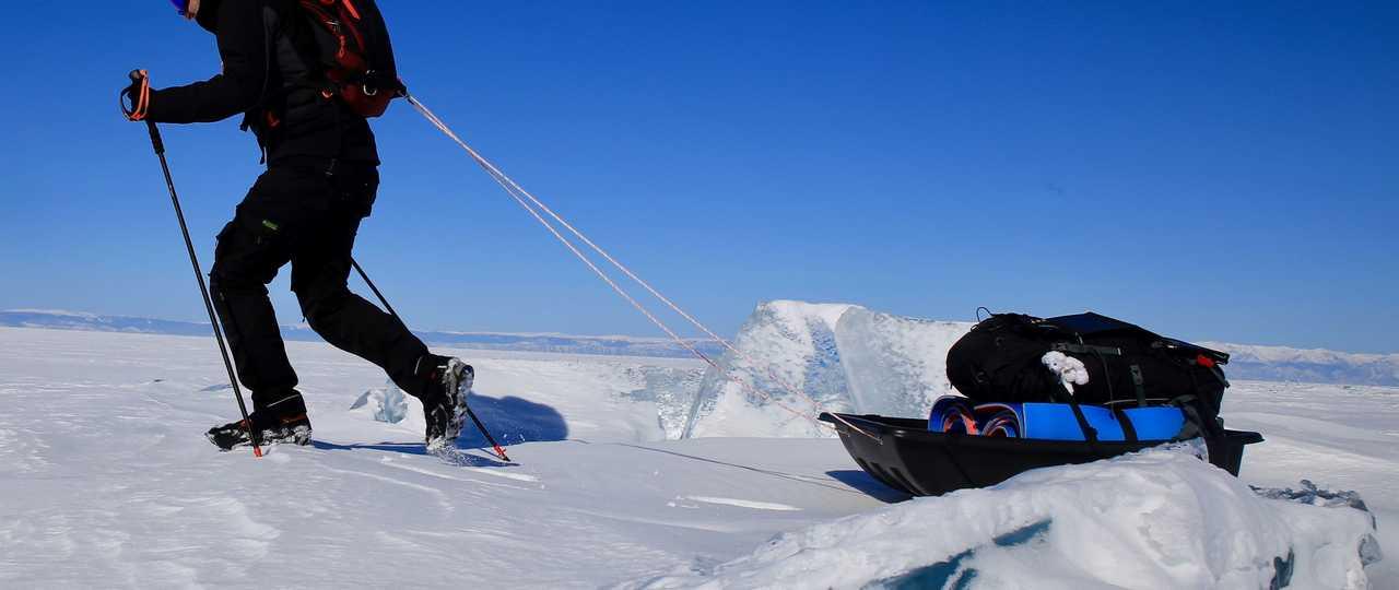 Pulka sur la glace du Baikal