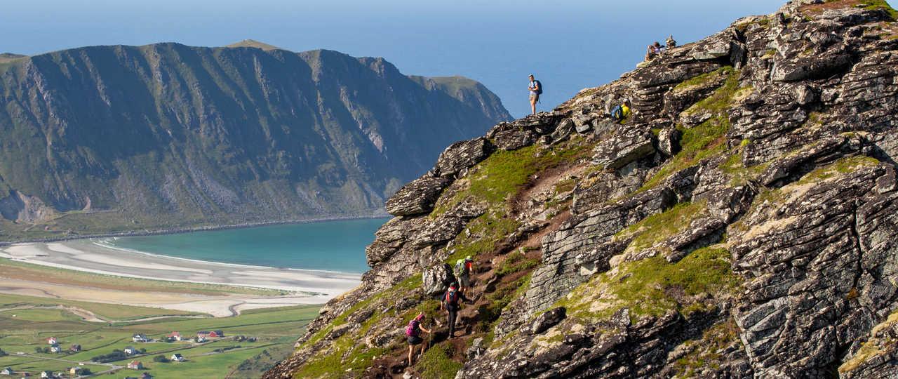 Randonnée en haut du Volandstinden, Norvège du Nord