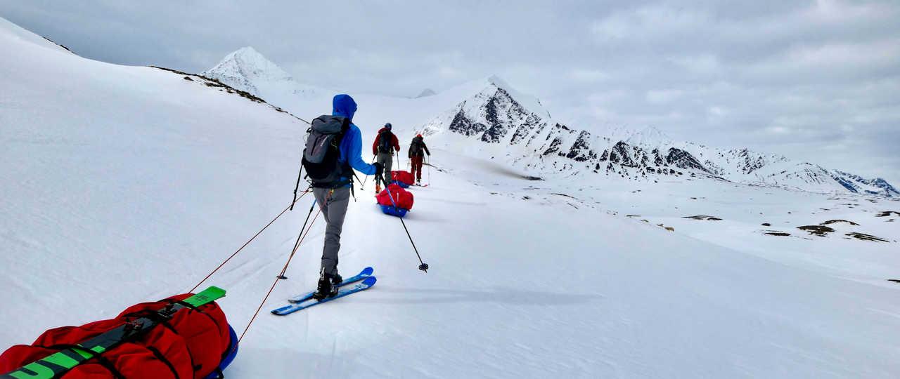 Ski-pulka en autonomie au Svalbard