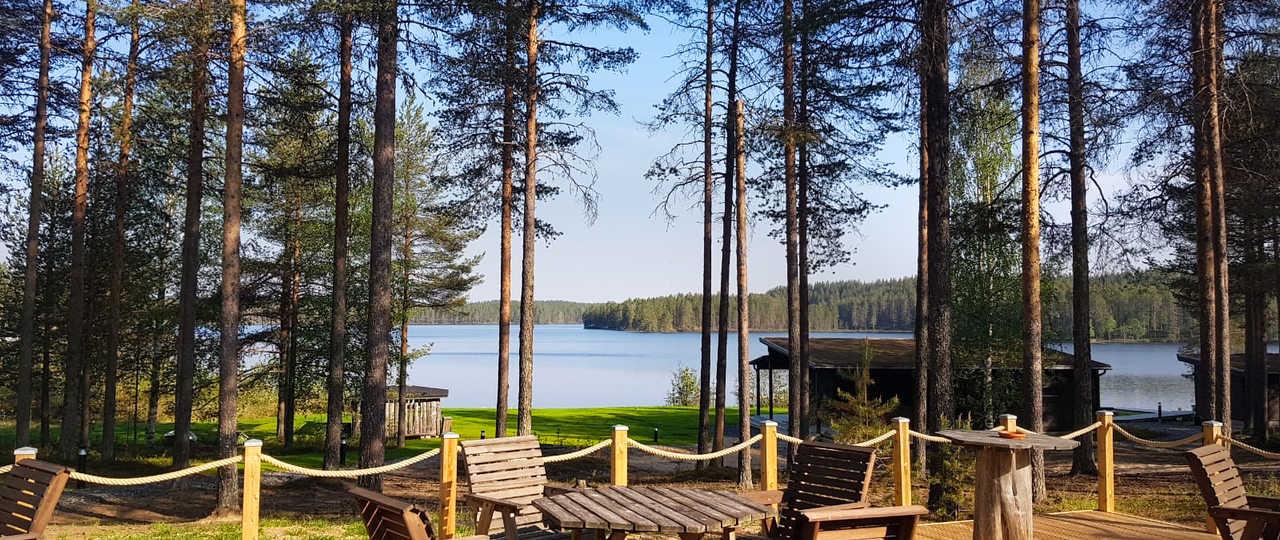 Terrasse de l'auberge Norwide en Finlande