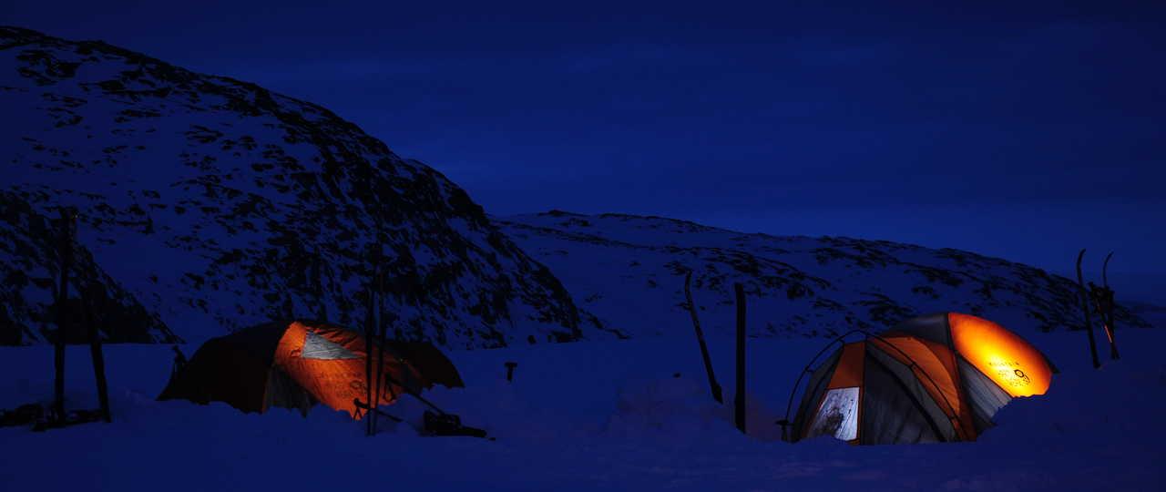 Voyage aventure camping banquise arctique