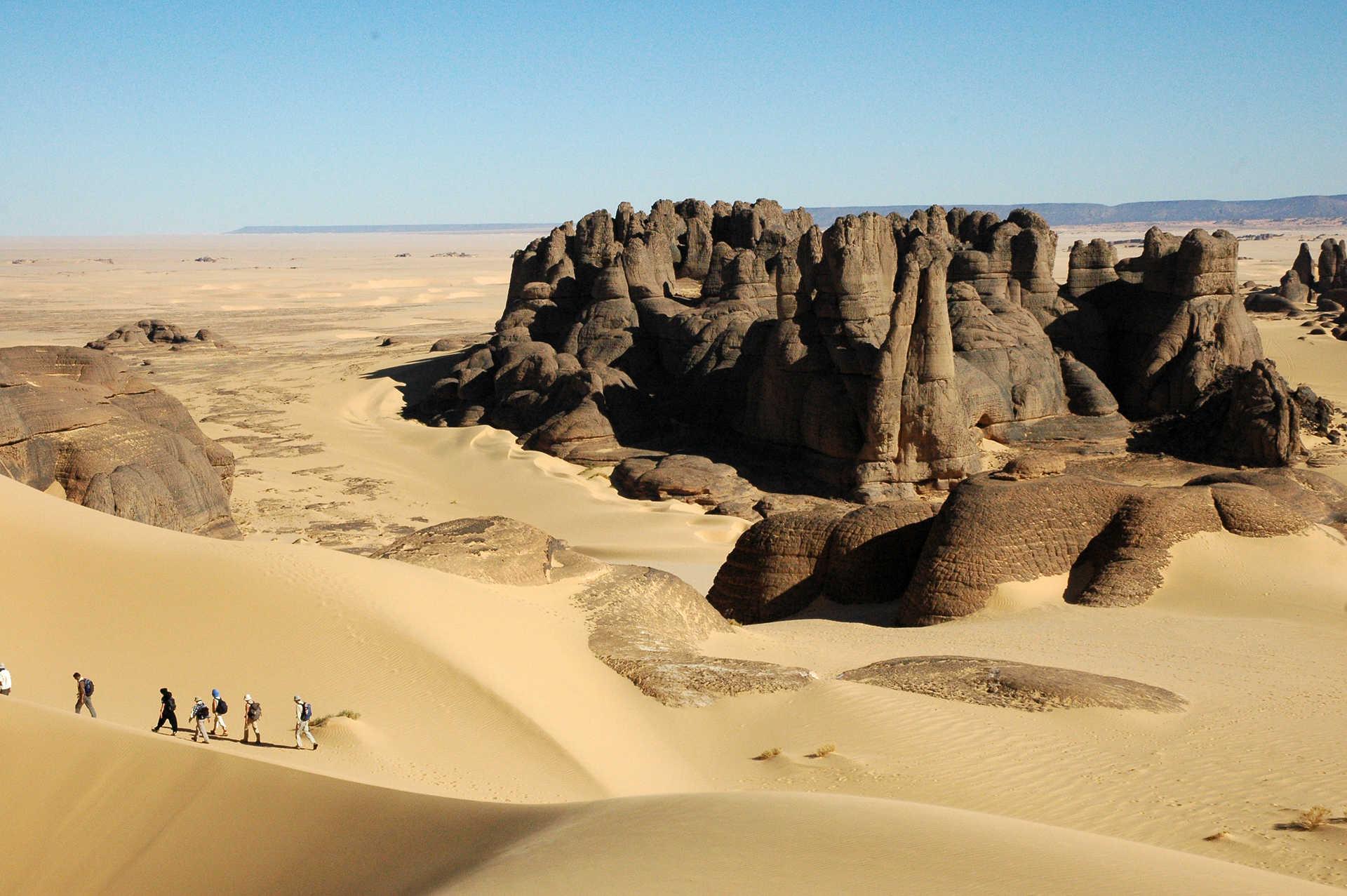 Aiguilles de Tin Akacheker, Tassilis du Hoggar, Algérie