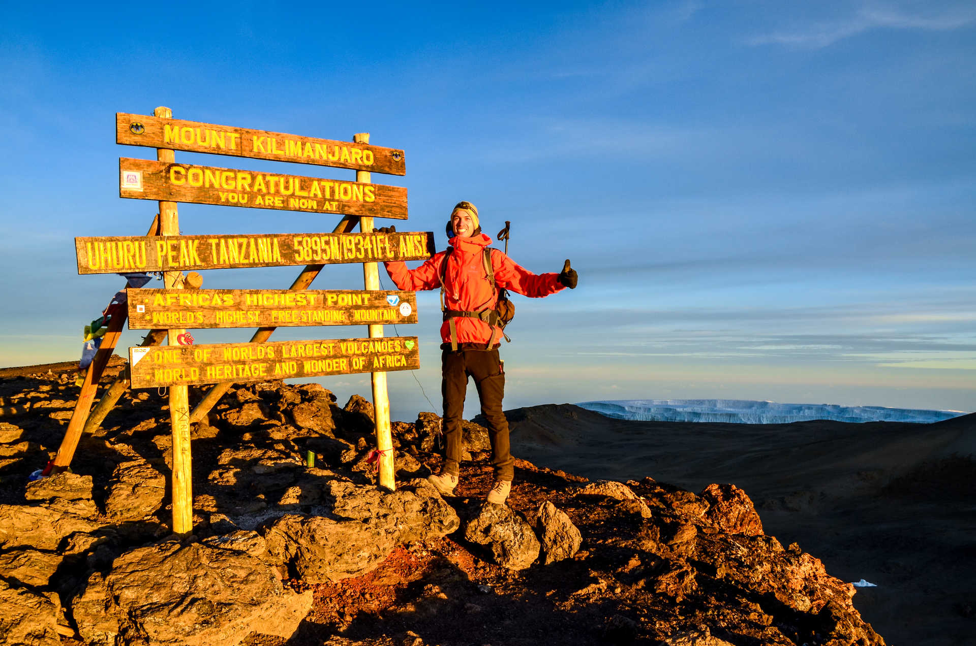 Arrivée au sommet du Kilimanjaro, Tanzanie
