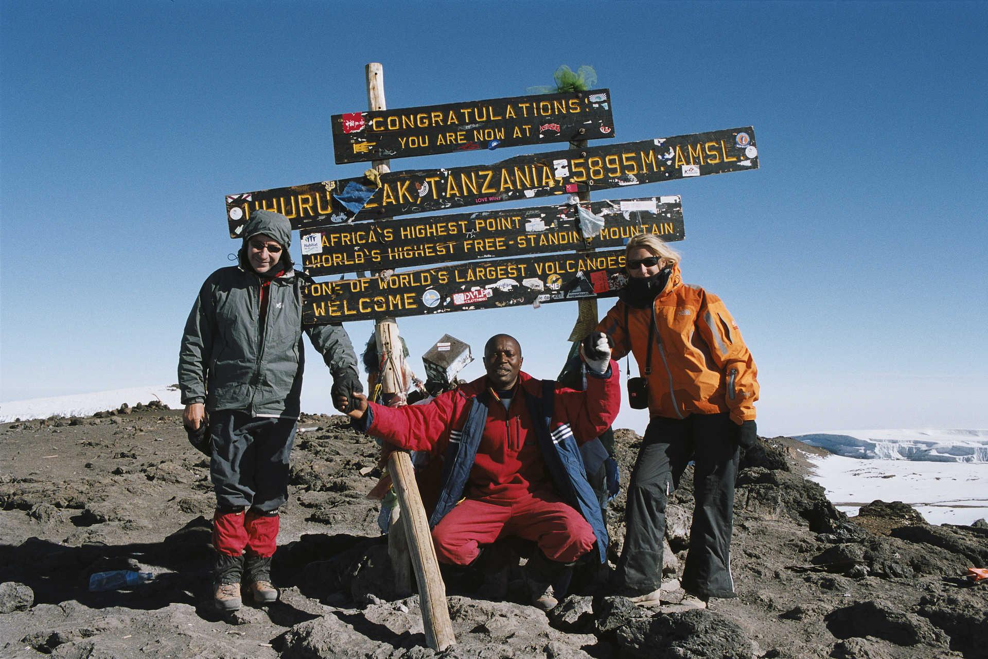 Au sommet du Kili , le Kibo, 5895 mètres