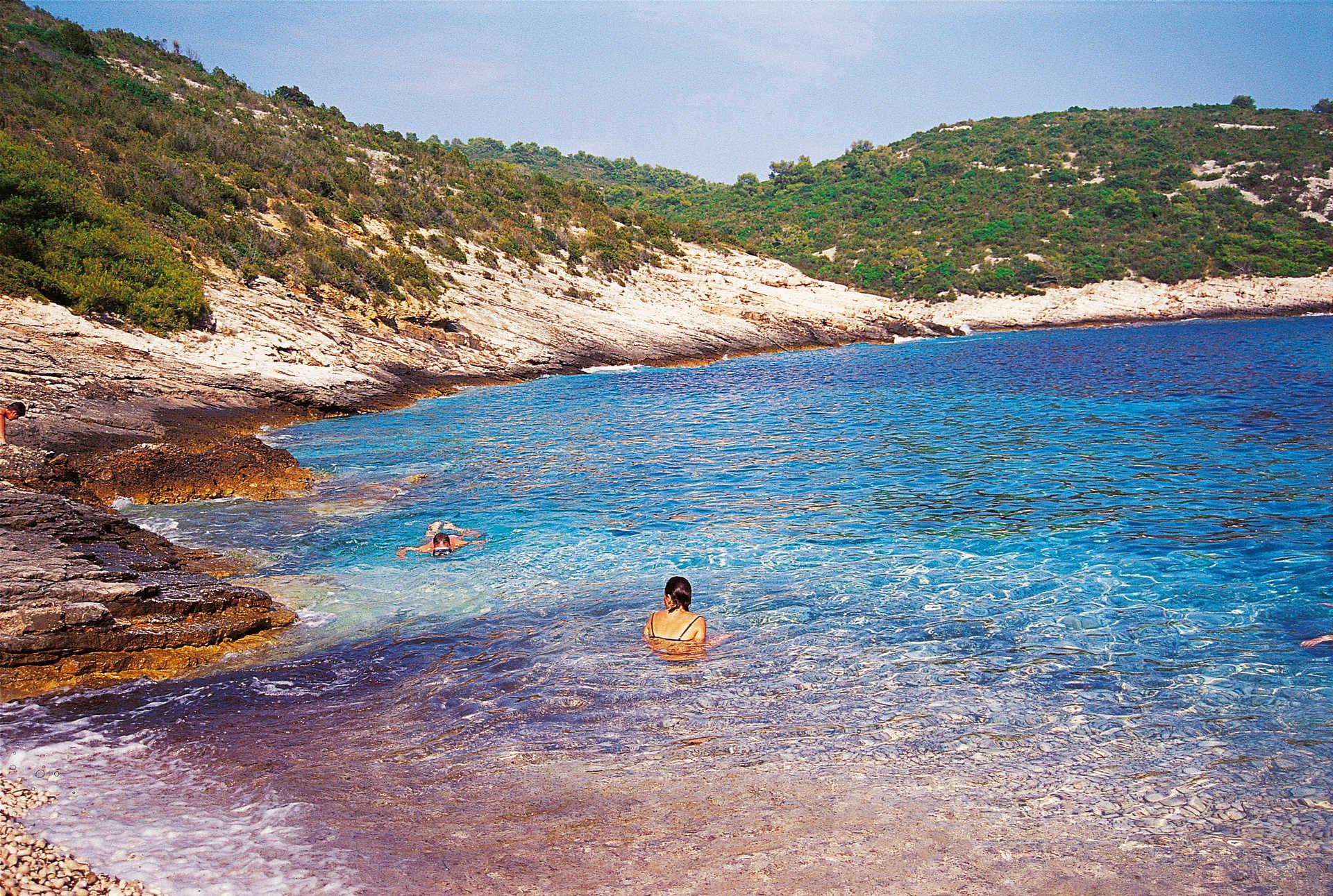 baignade en crique , Crète