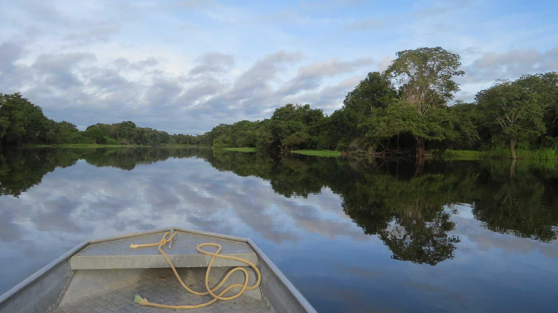 Bateau en Amazonie