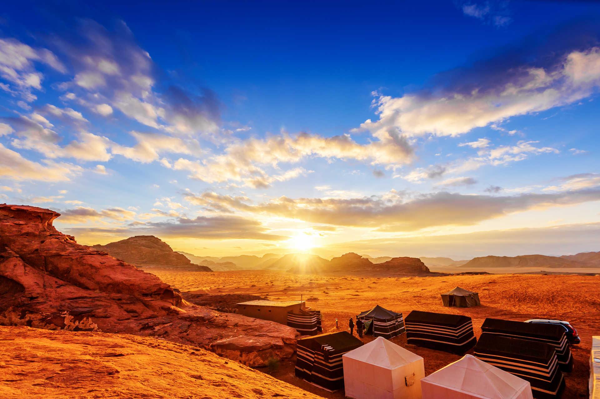 Campement dans le Wadi Rum en Jordanie