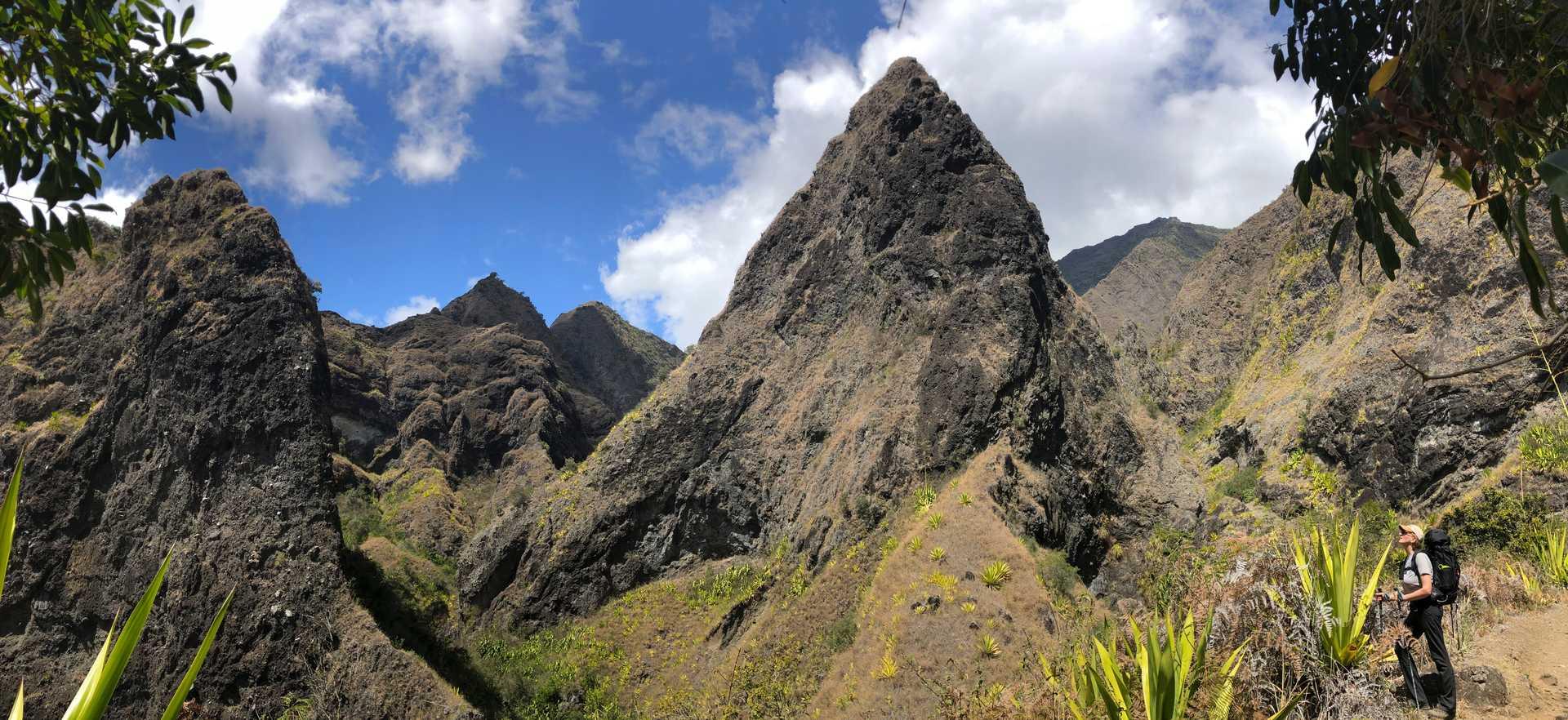 Contemplation dans le cirque de Mafate à la Réunion