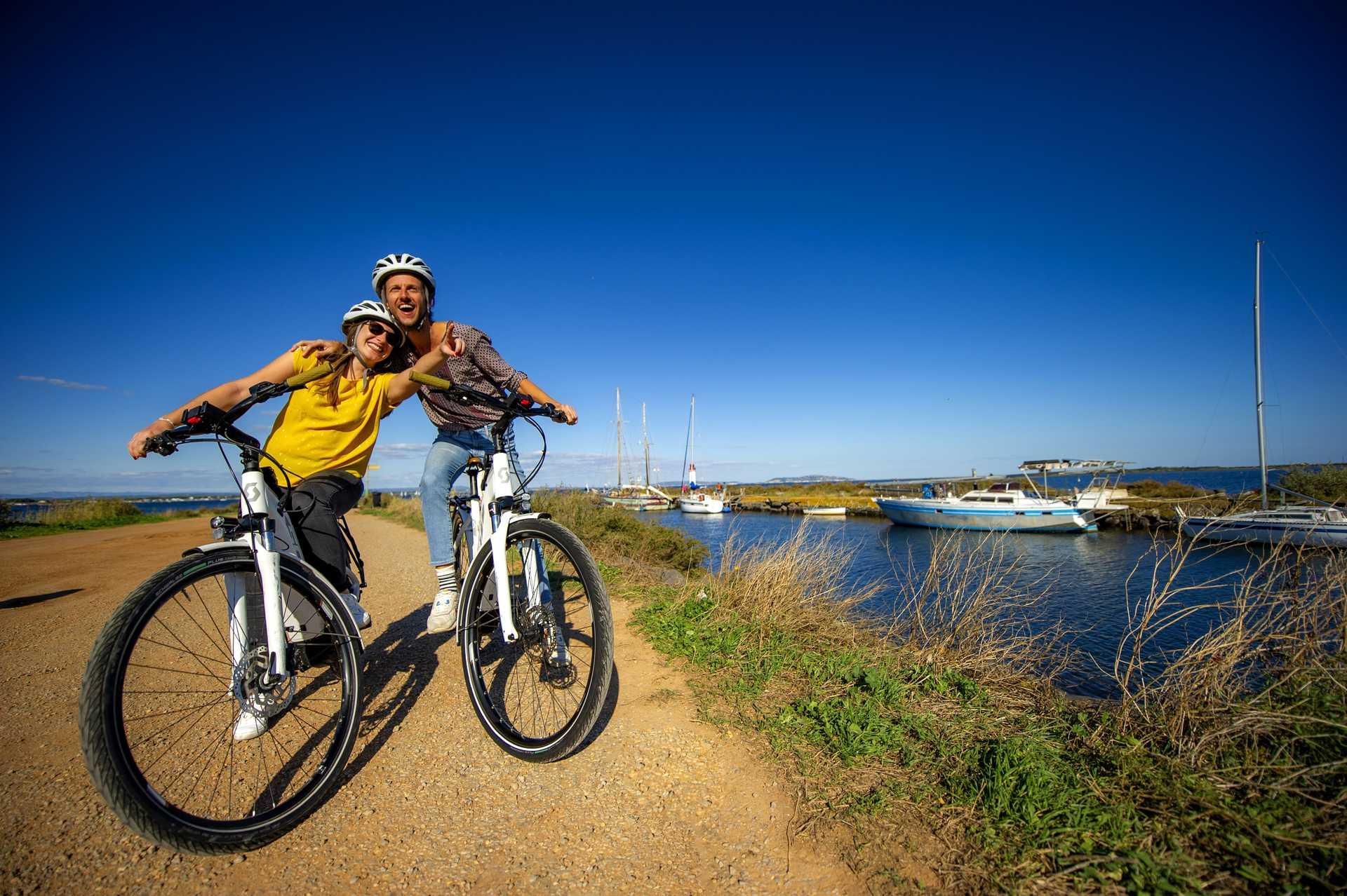 couple en vélo canal