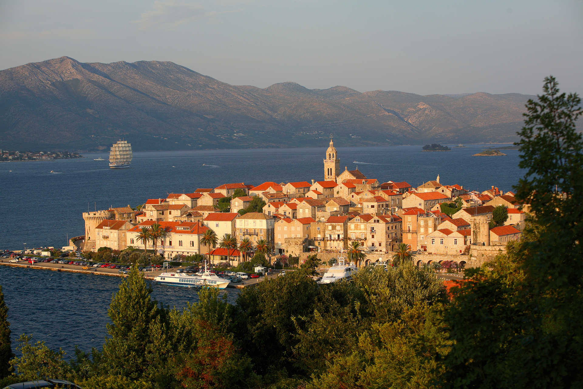 Croatie, vue sur Korcula vieille ville