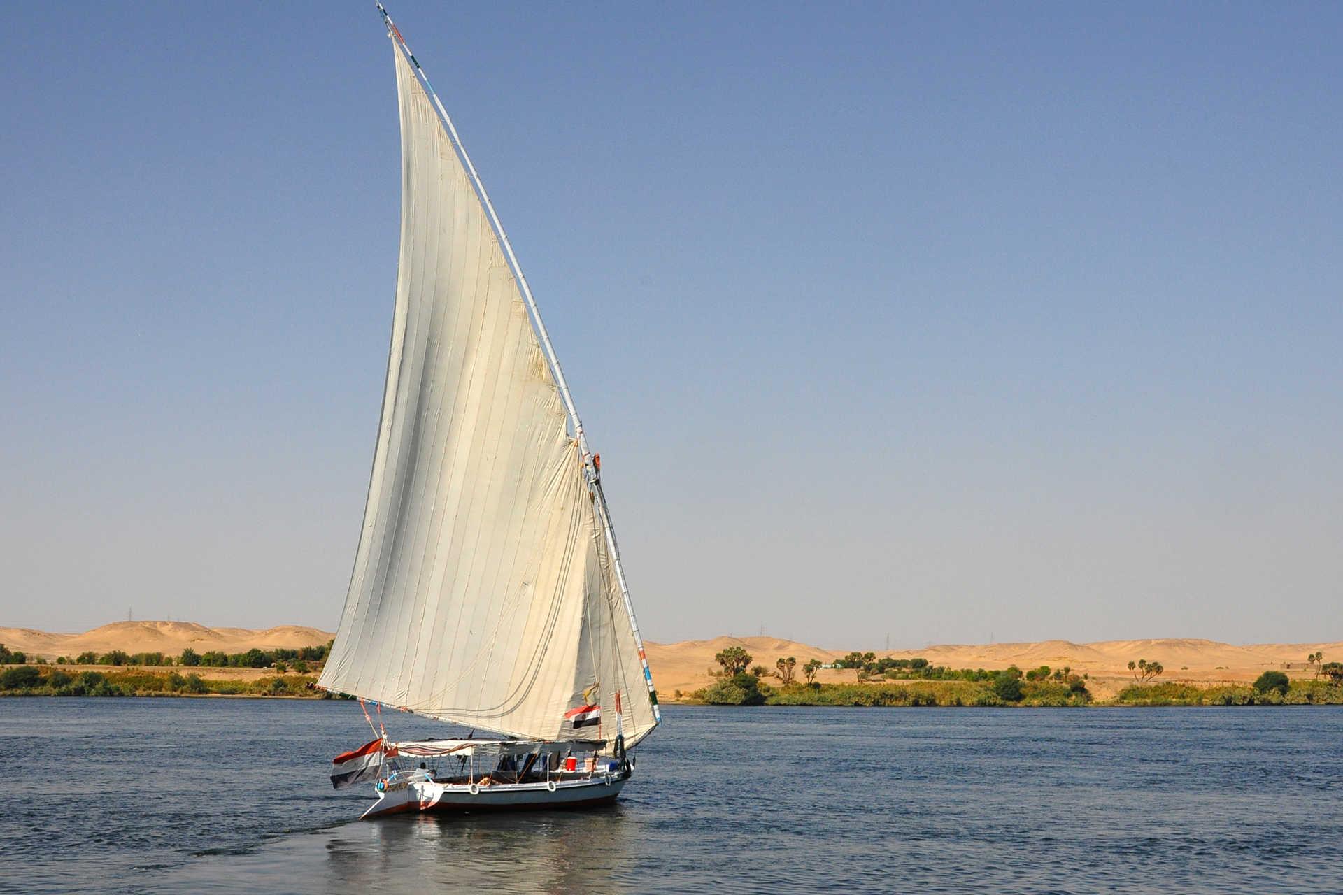 Descente du Nil en felouque en Egypte