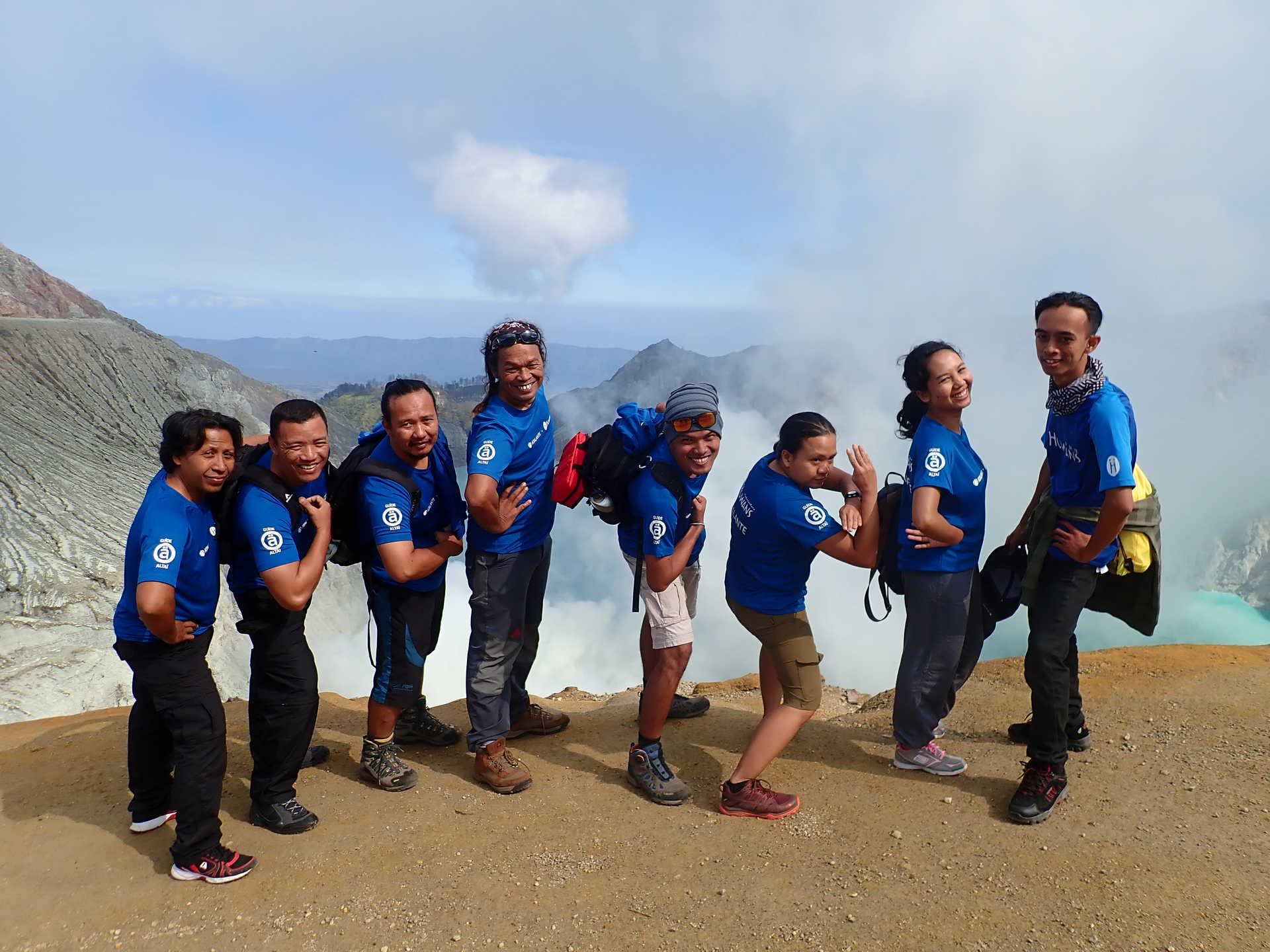 Guides Altai Indonesia au cratère de Kawah Ijen, Java, Indonésie