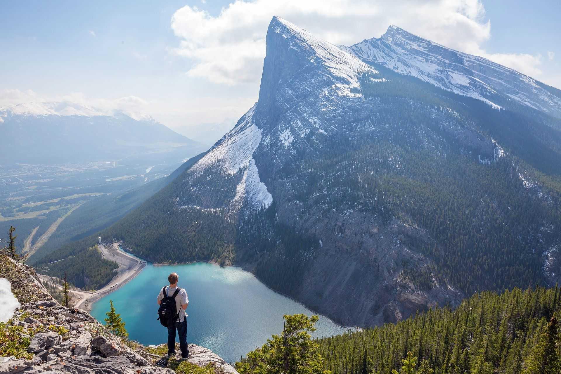 Ha Ling Peak dans les rocheuses canadiennes, Ouest Canada