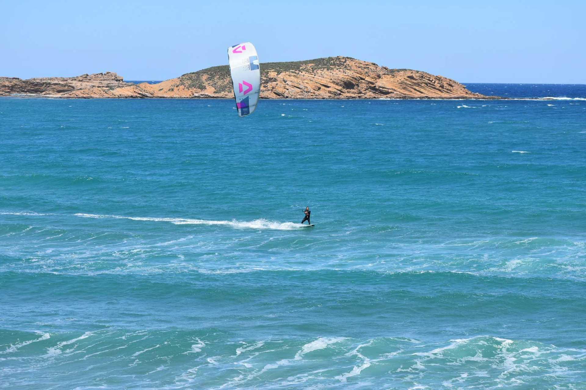 kitesurf session à Limnos avec ION CLUB