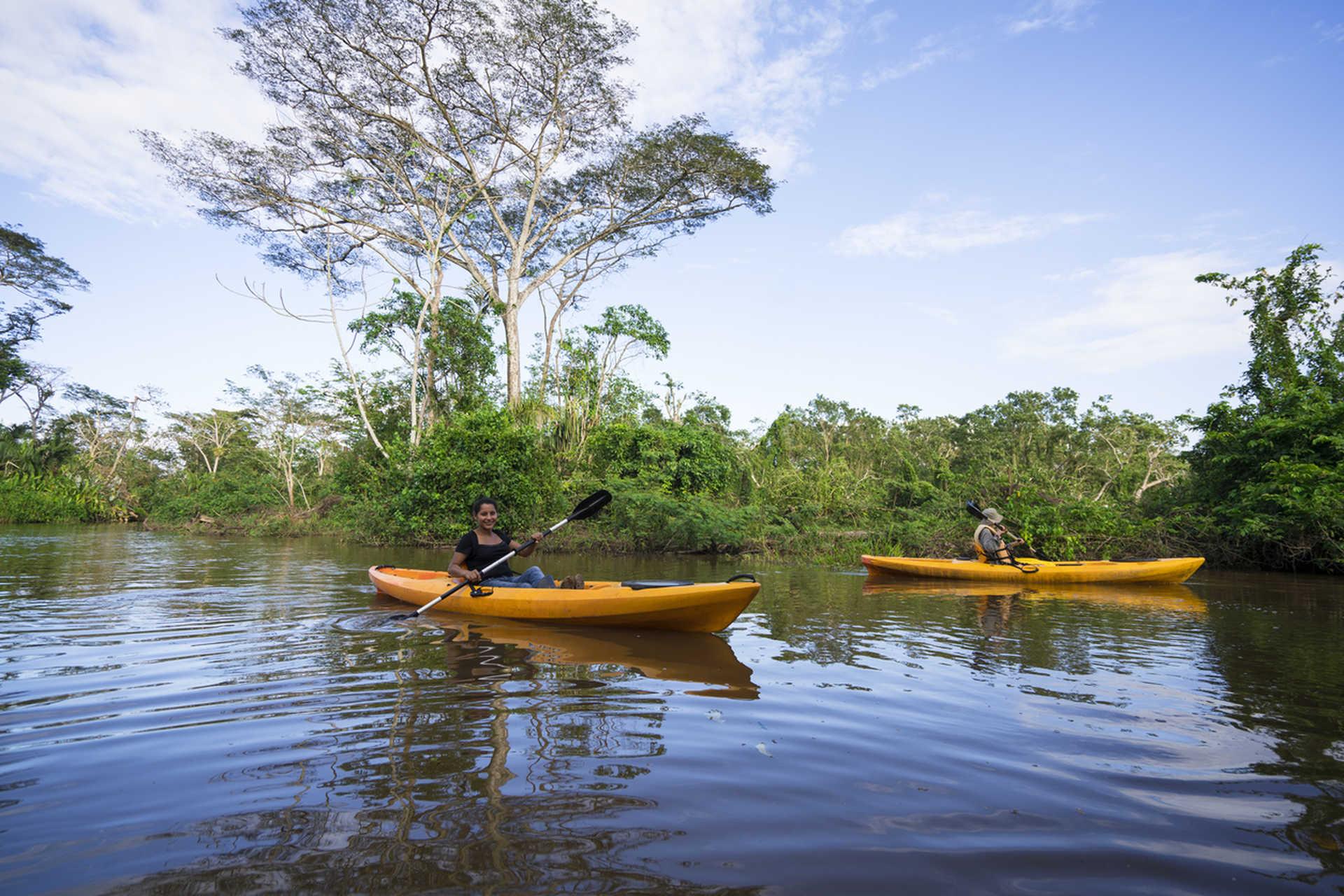 Kayak entre les îlots de Grenade